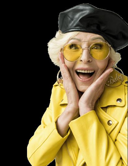 Femme sénior qui sourit
